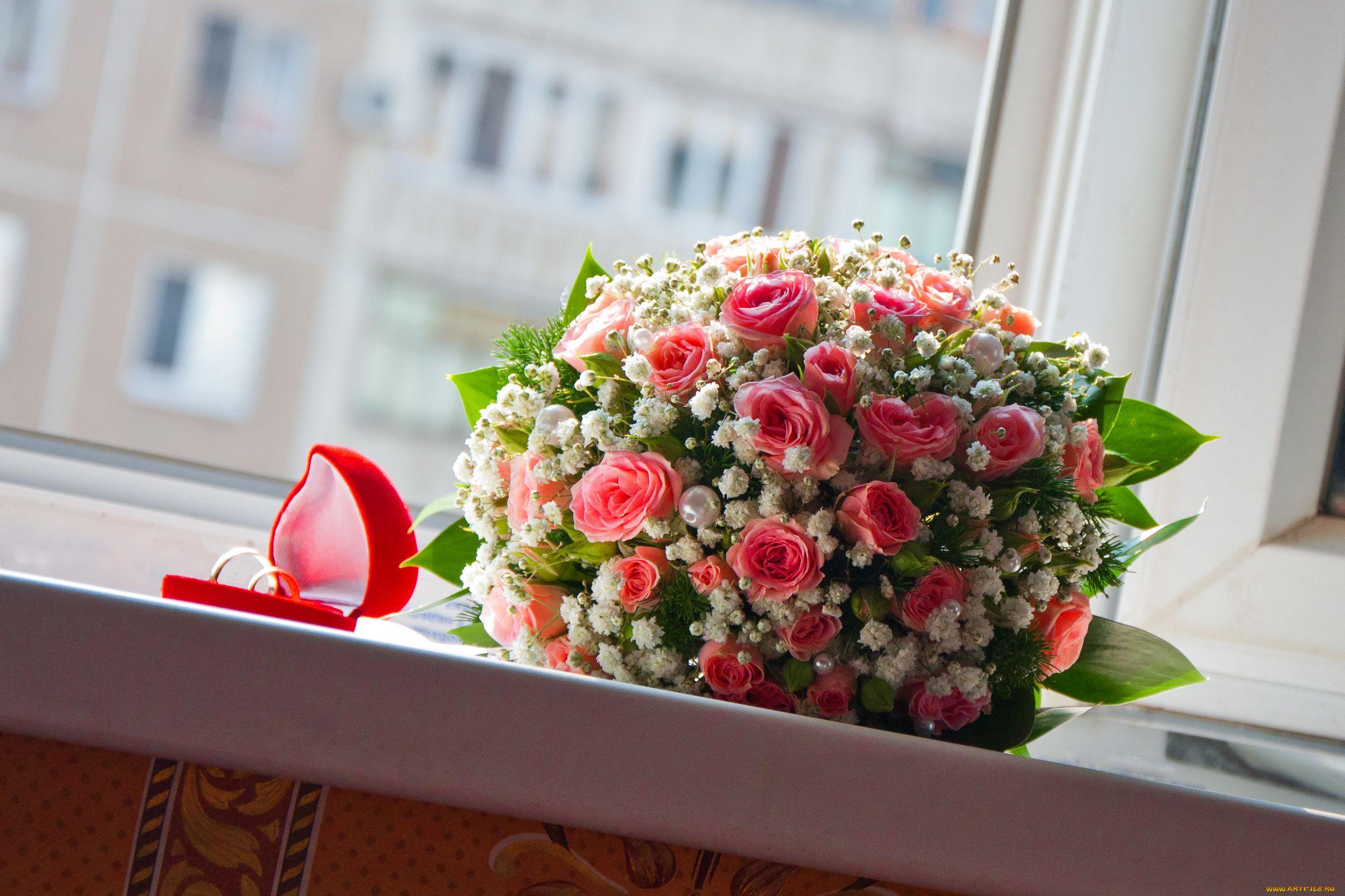 фото букет цветов на столе простой способ